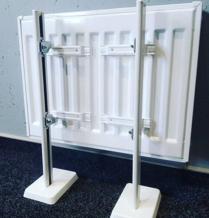 КНZ4 Напольное крепление стальных панельных радиаторов